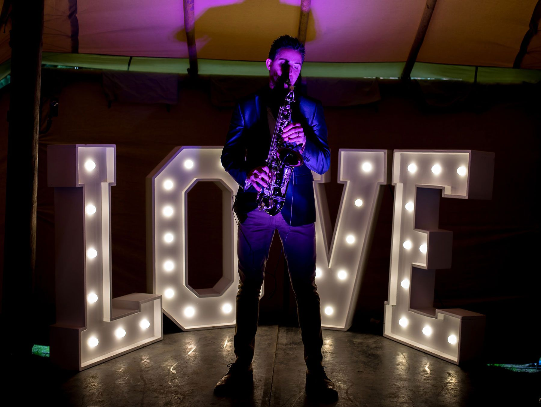 Love Saxophone