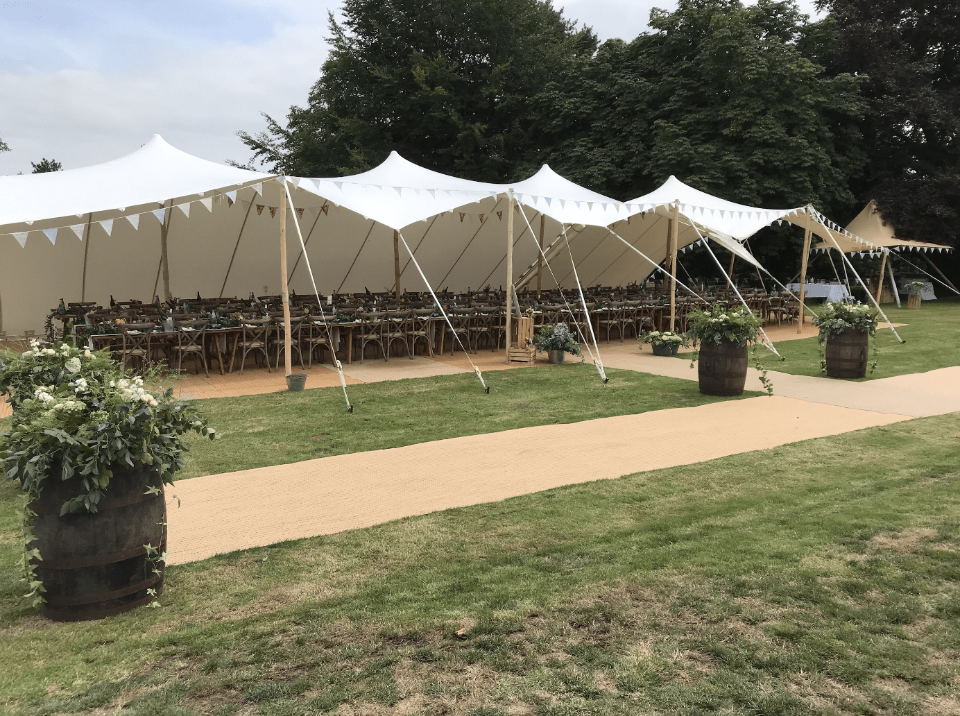 Large Stretch Tent